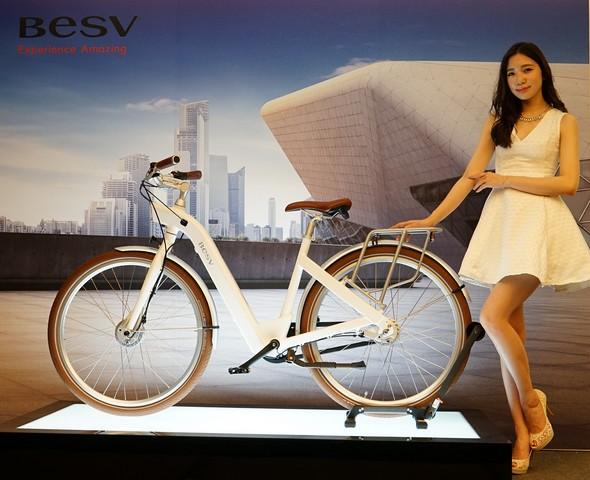 BESV CF1金獎電動車 時尚登場新光法雅客 - 單車誌-Cycling update