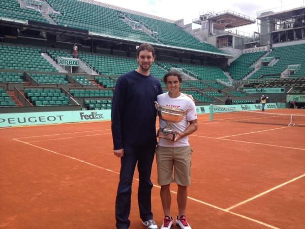 ¿Cuánto mide Rafa Nadal? - Real height Rafa_Gasol_Twitter